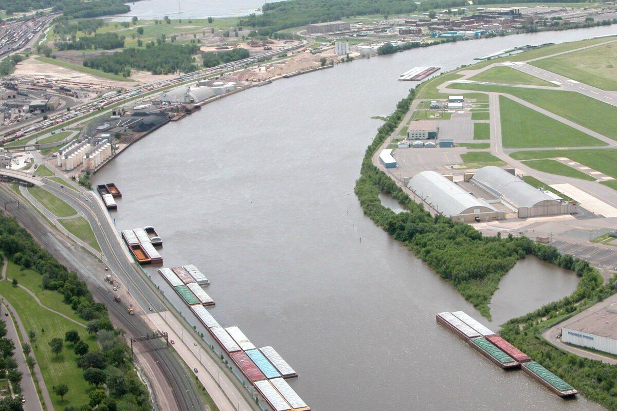 https://umwa.net/wp-content/uploads/2019/11/Down-river-shot-of-St.-Paul-fleeting-area-and-Holman-Field-1200x800.jpg